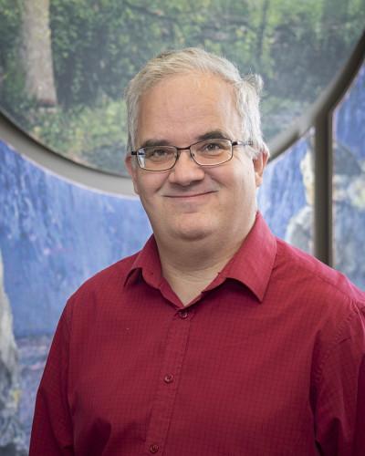 Pr Yves Couturier, titulaire de la Chaire de recherche du Canada sur les pratiques professionnelles d'intégration des services en gérontologie.