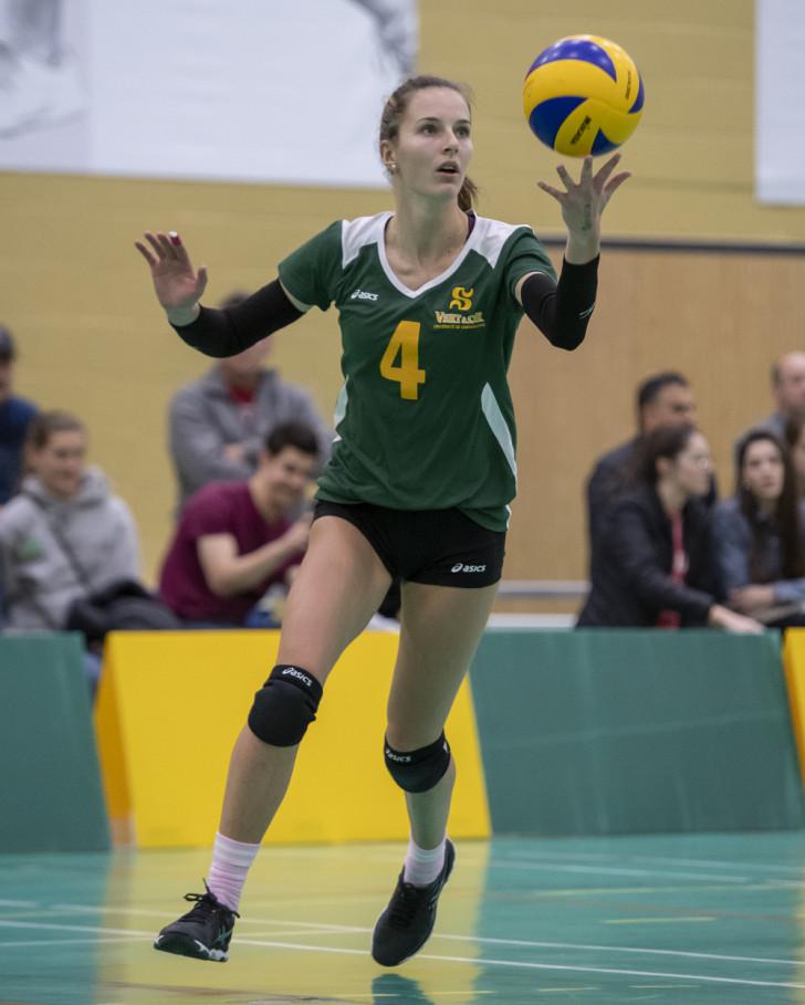 Le Rouge et Or a le dessus sur le Vert & Or lors du match d'ouverture  locale - Volleyball - Université de Sherbrooke