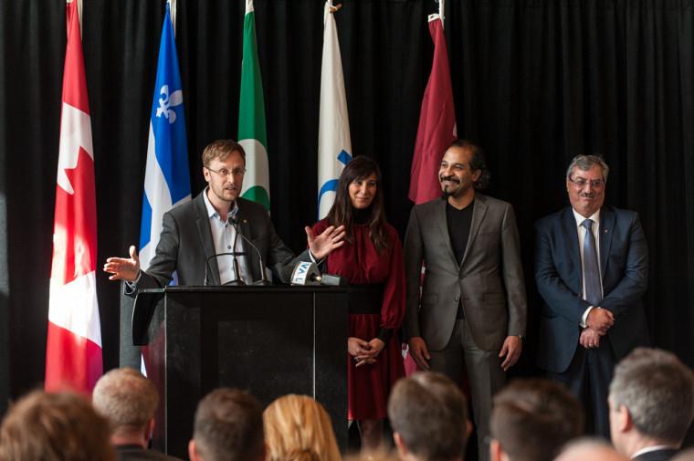 Lancée officiellement en février 2018, la Chaire regroupe trois titulaires de trois universités québécoises: Pr David Morin (Université de Sherbrooke), Pre Ghayda Hassan (UQÀM) et Vivek Vankatesh (Université Concordia). Également présent sur la photo, le Pr Sami Aoun (Université de Sherbrooke) qui agit à titre de directeur du comité scientifique de la Chaire.