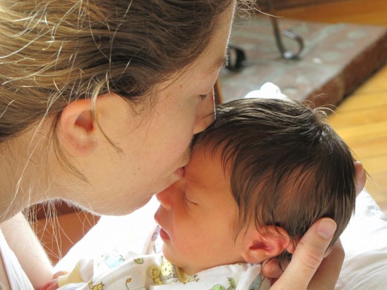 L'étude GESTE étudie les effets des PBDE sur les hormones thyroïdiennes de la mère et de son bébé.