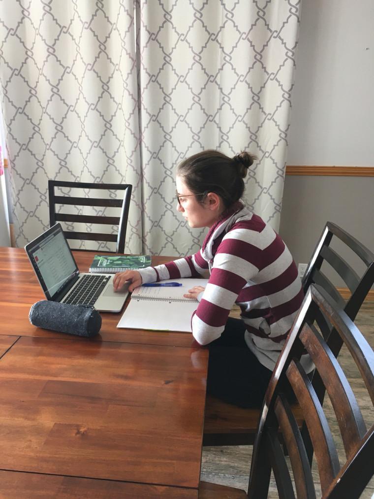 Allison, aux études à la maison