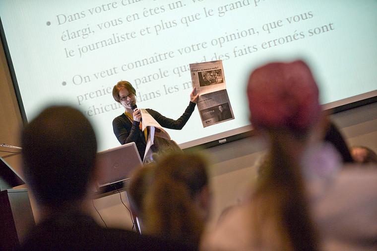 Catherine Dubé, journaliste à Québec Science, encourage les scientifiques à parler aux journalistes malgré les risques d'être mal cité.