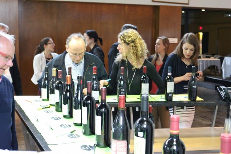 Les 50 bouteilles de vin mises à l'encan ont permis d'amasser 28 000 $ pour la campagne majeure de financement de la Fondation de l'UdeS