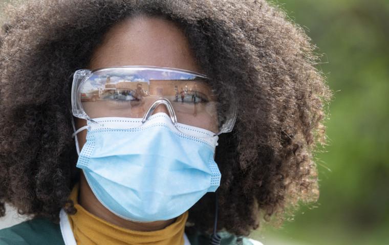 Alors que le port du masque de procédure est obligatoire partout sur les campus, le projet de récupération revêt une importance des plus cruciales sur le plan environnemental.