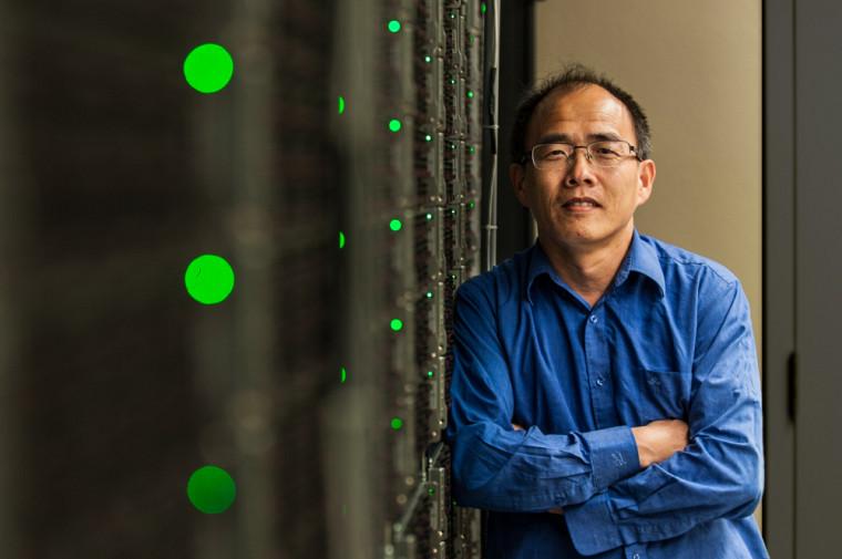 HuiZhong Lu, gagnant d'un prix d'excellence de Calcul Canada pour son soutien exceptionnel.