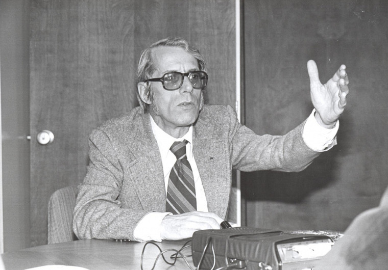 Pendant plus de cinquante ans, Yves Martin a contribuéà l'éducation nationale et à l'État québécois.
