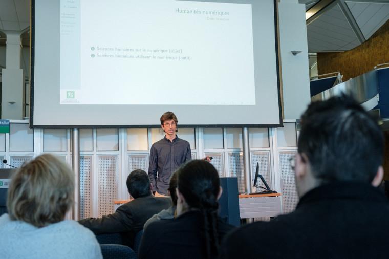 Le 20février2020, la Faculté des lettres et sciences humaines de l'Université de Sherbrooke lançait sa Plateforme en humanités numériques.François Claveau, professeur au Département de philosophie et d'éthique appliquée et directeur scientifique de la Plateforme en humanités numériques, présentait le projet lors du lancement.