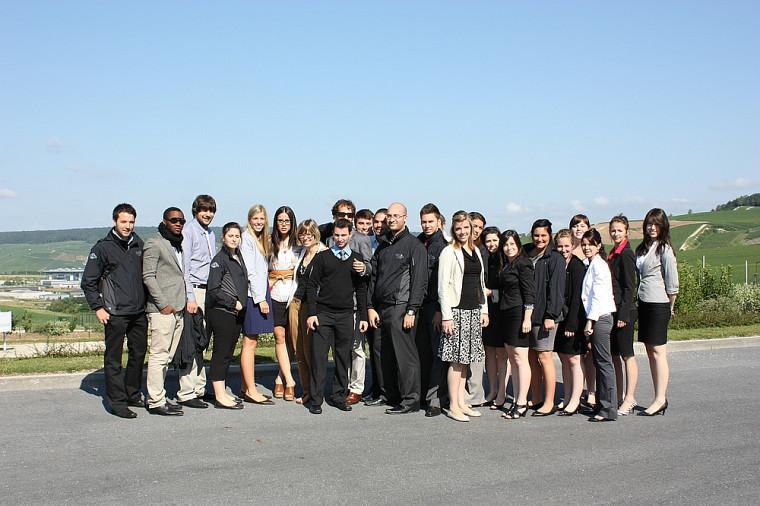 Le groupe Euro marketing 2011 de la Faculté d'administration de l'Université de Sherbrooke.