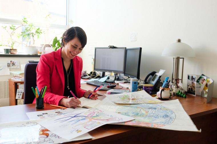 La professeure Chantale Beaucher s'intéresse depuis longtemps aux cartes mentales. Elle est d'ailleurs la seule chercheuse universitaire au Québec à mener des recherches sur le sujet.