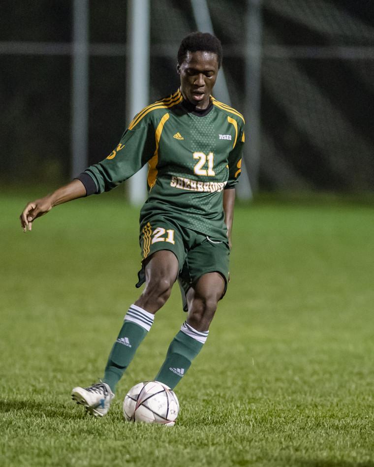 Le Vert & or a fait match nul 1-1 face au Rouge et Or mardi soir à Québec, grâce au but de Papa Yaya Badiane, à la 92e minute.
