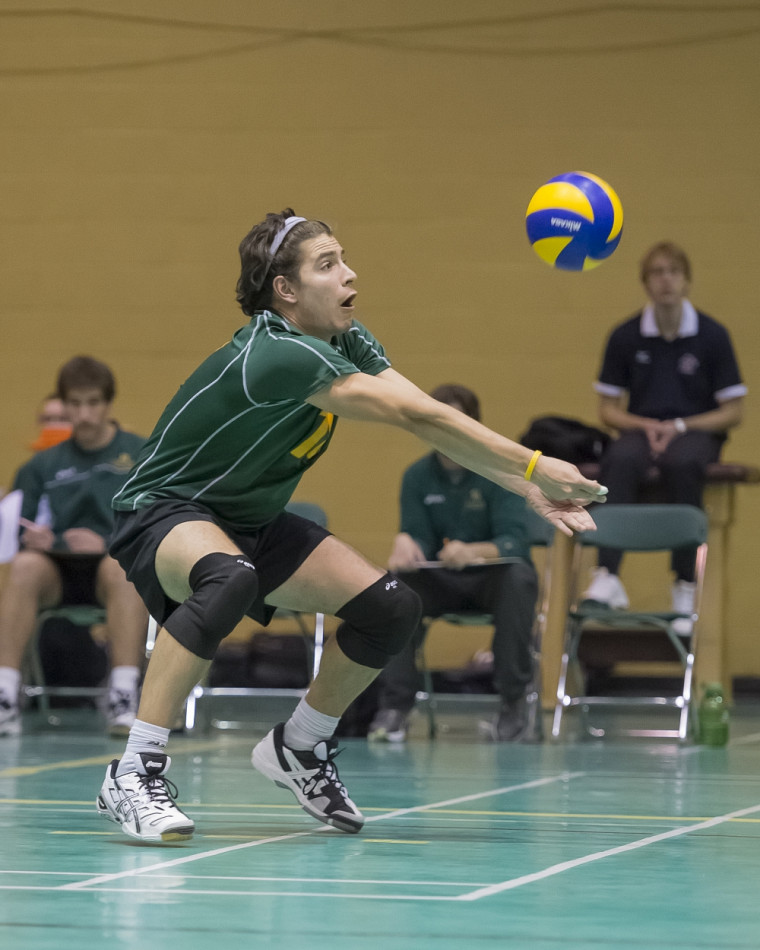 William Marier et ses coéquipiers du Vert&Or ont remporté le récent tournoi des Paladins du Collège royal militaire à Kingston.