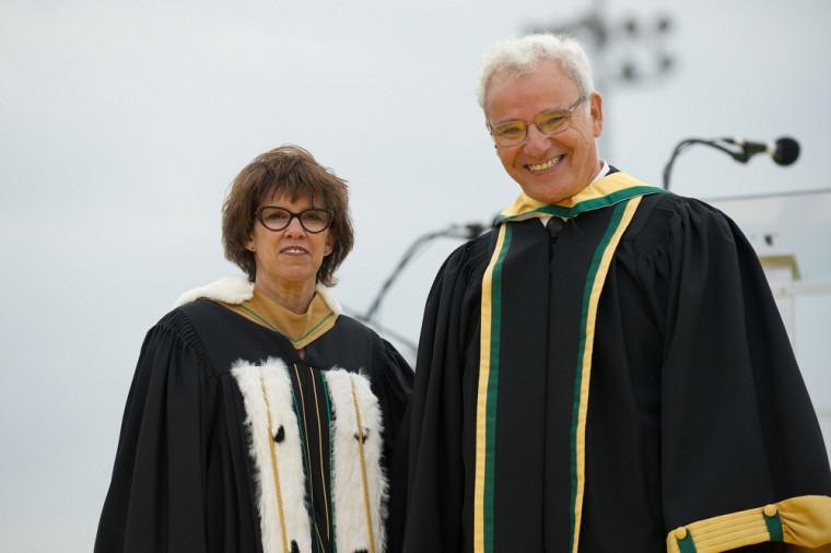 La rectrice Luce Samoisette et Rachid Deriche, docteur d'honneur en sciences.