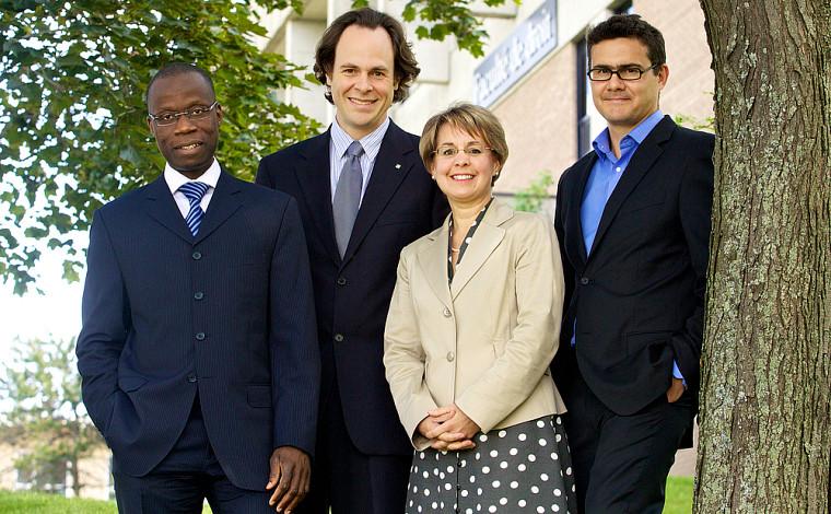 La nouvelle direction : Arthur Oulaï, le doyen Sébastien Lebel-Grenier, Éliane-Marie Gaulin et Mathieu Devinat.