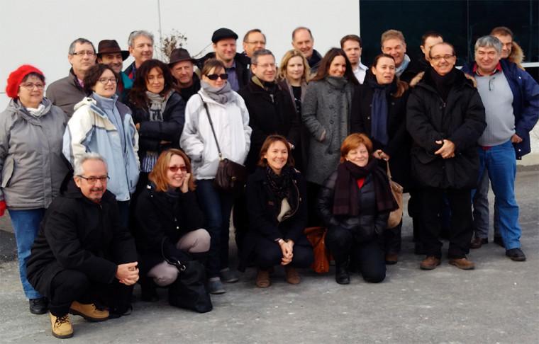La délégation française de l'Agence nationale pour l'amélioration des conditions de travail (ANACT) en compagnie de la professeure Madeleine Audet, directrice des programmes de DBA et D3C, lors de la visite de l'entreprise GE à Bromont.