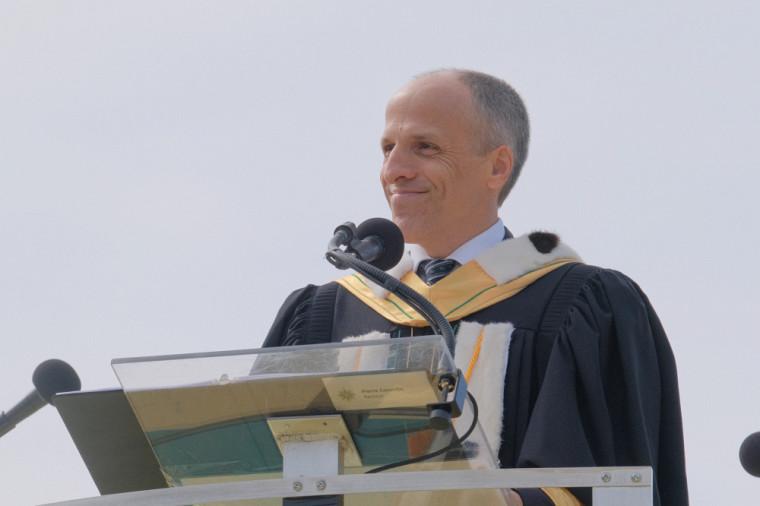 Le recteur de l'UdeS, Pr Pierre Cossette