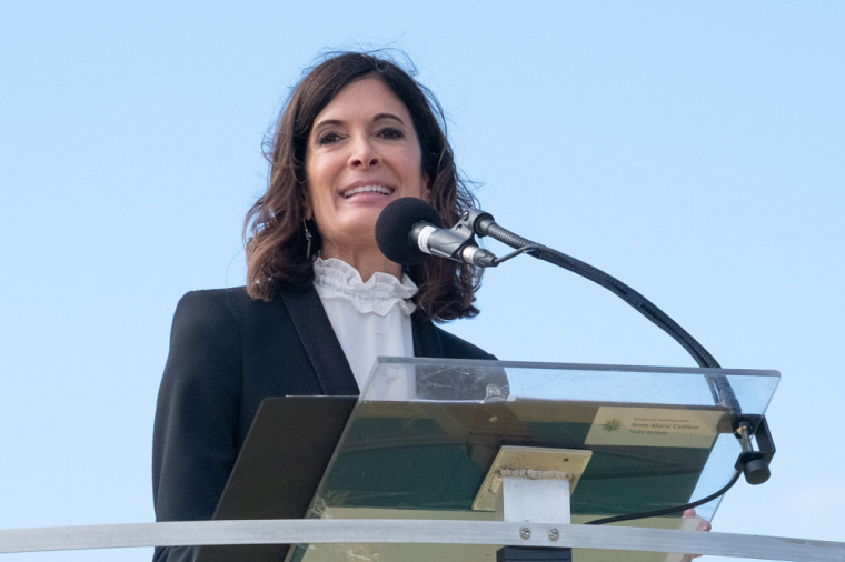 La comédienne Anne-Marie Cadieux qui a interprété le texte lyrique de la CDG.