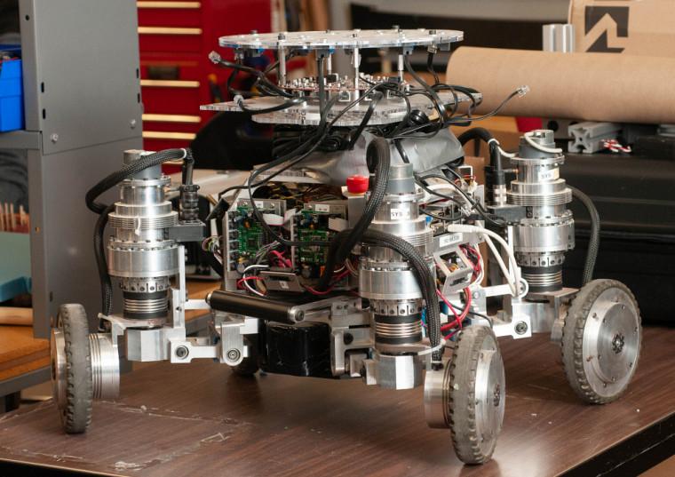 Le robot Azimut, conçu au 3IT.