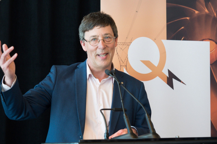 Pr Jean-Pierre Perreault, vice-recteur à la recherche et aux études supérieures de l'Université de Sherbrooke.