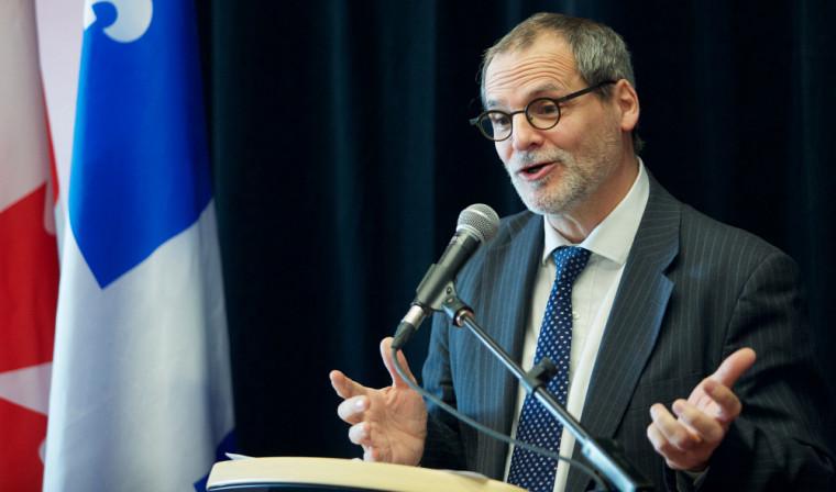 Le vice-recteur au développement durable et aux relations gouvernementales et vice-recteur au Campus de Longueuil, Alain Webster, était présent à cette annonce pour expliquer l'utilisation de ces fonds.