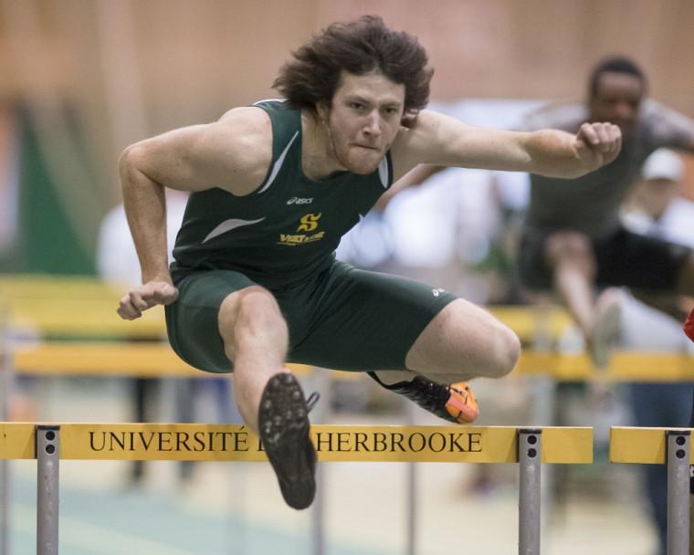 Yann Thibaudier est le médaillé d'or du Championnat provincial universitaire des épreuves combinées 2013-2014.