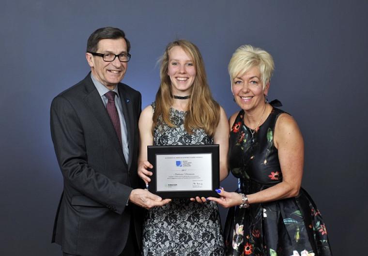 Récipiendaire de la Bourse d'excellence aux études supérieures de l'OIQ, Catherine Véronneau, étudiante à la maîtrise en génie mécanique.
