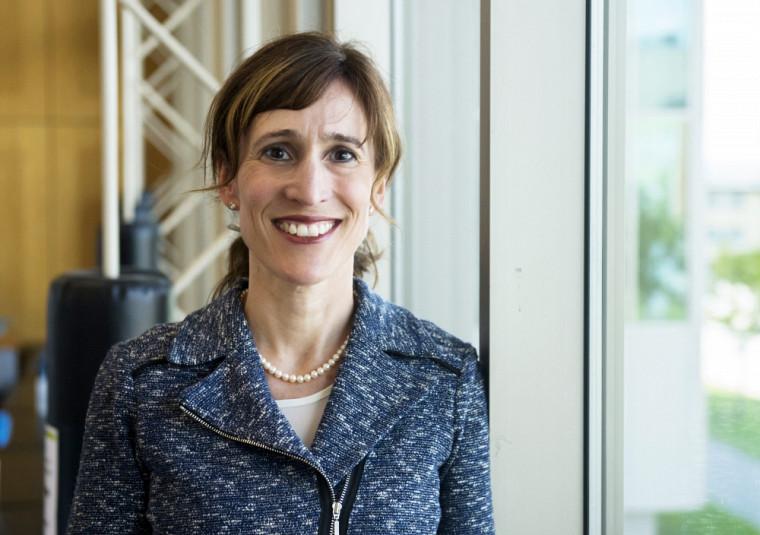 Catherine Hudon est professeure à la Faculté de médecine et des sciences de la santé de l'UdeS, précisément au Département de médecine familiale, ainsi que chercheuse au Centre de recherche du CHUS.