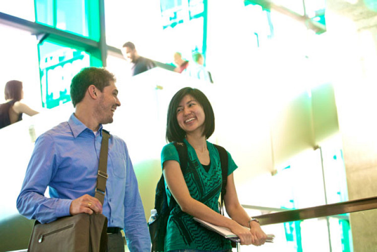 Le nouveau cheminement de maîtrise en édition professionnelle sera offert au Campus de Longueuil de l'Université de Sherbrooke, ouvert depuis janvier dernier, et adjacent à la station de métro Longueuil-Université-de-Sherbrooke.