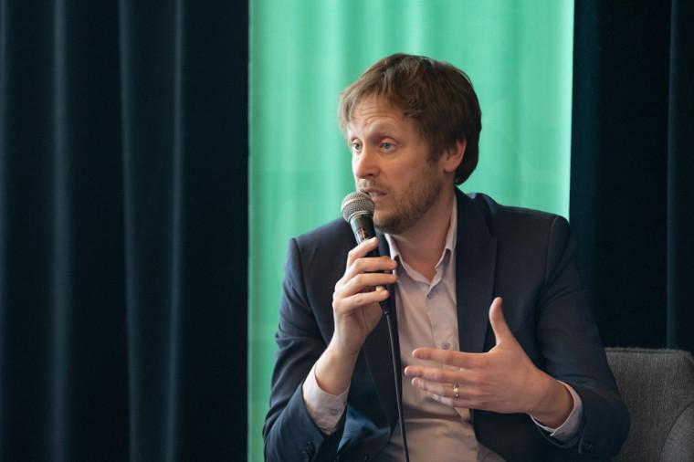 David Morin, également cofondateur et codirecteur de l'Observatoire sur la radicalisation et l'extrémisme violent et cotitulaire de la Chaire UNESCO en prévention de la radicalisation et de l'extrémisme violents