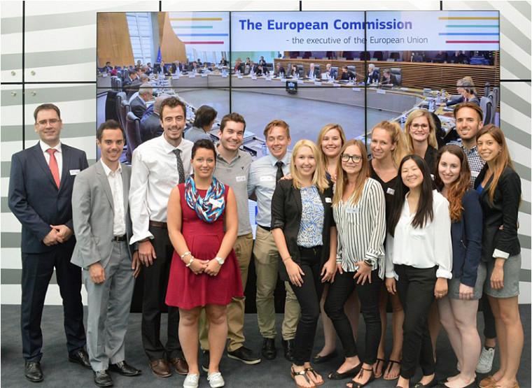La délégation de l'UdeS accompagnée du professeur Stéphane Legendre, du département de Marketing de la Faculté d'administration, lors de leur visite à la Commission européenne en Belgique.