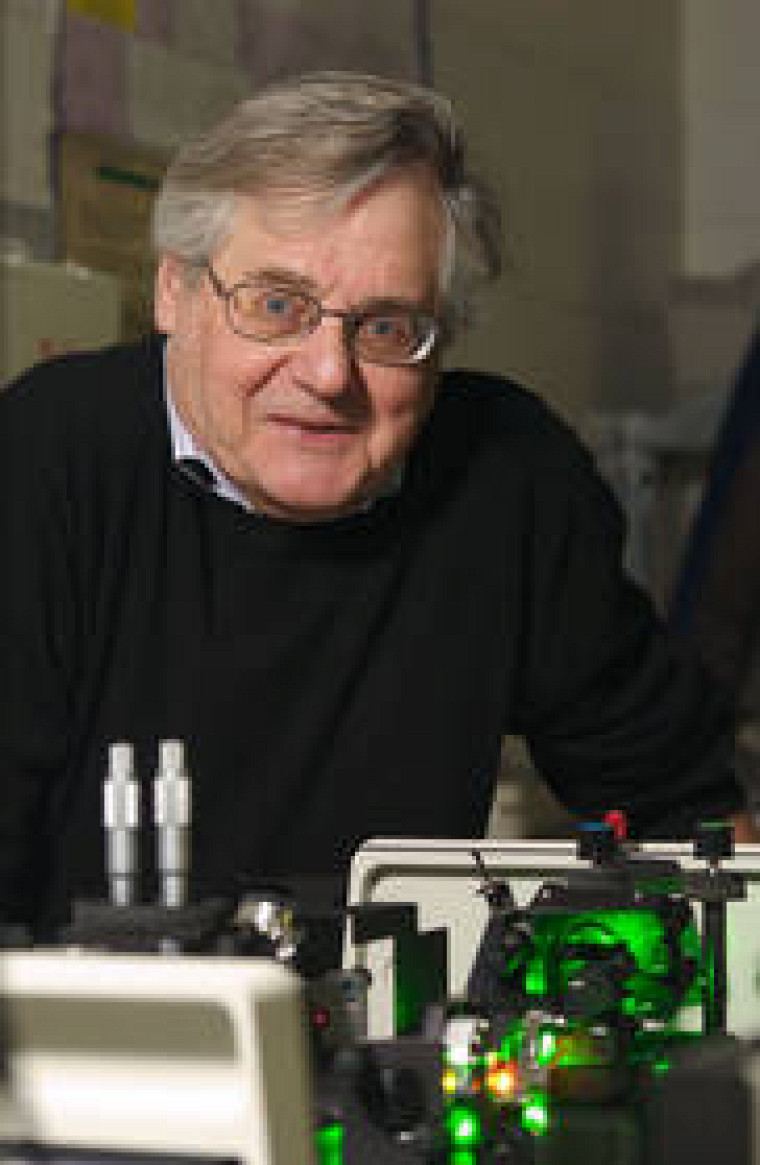 Le professeur André Bandrauk