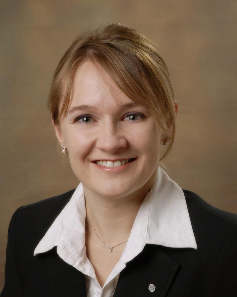 Anne-Marie Lemelin, étudiante au programme MBA pour cadres en exercice de la Faculté d'administration de l'Université de Sherbrooke
