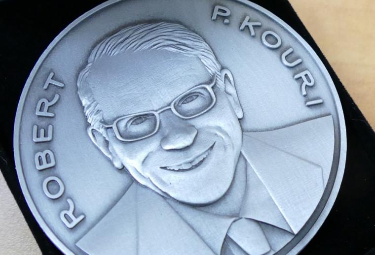La médaille Robert P. Kouri.