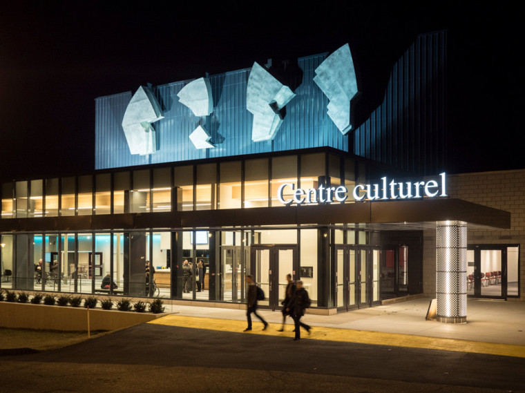 La série Danse du Centre culturel se voit nominée aux prochains prix RIDEAU, dans la nouvelle catégorie Médiation culturelle.
