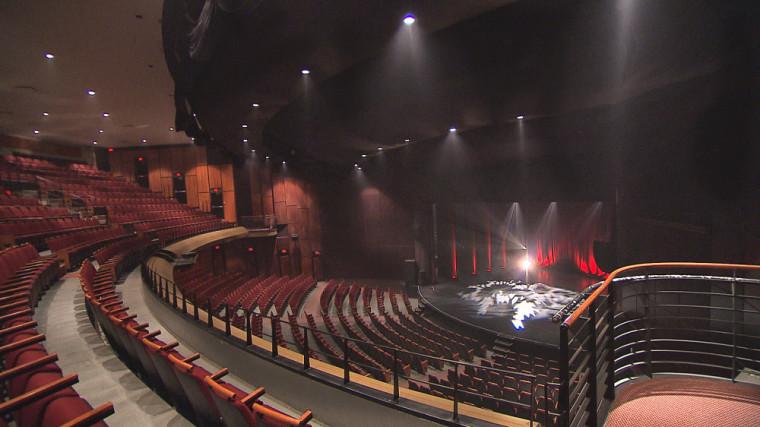 Rénovée en 2014, la salle Maurice-O'Bready permet la tenue d'événements culturels d'envergure.