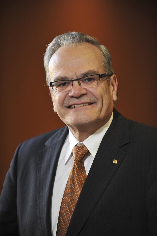 Serge Jandl succède à Denis LeBel à titre de doyen de la Faculté des sciences.