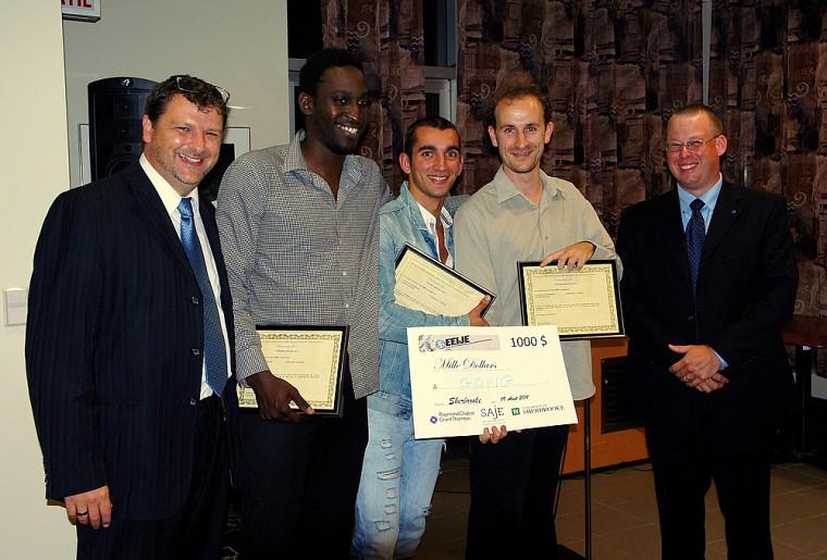 Vincent Lecorne, président d'honneur de l'ÉÉIJE 2011, Nahouolo Coulibaly, Grégory Giovannone, Émilien Mathia et Shawn Frost, associé chez RCGT de Sherbrooke.