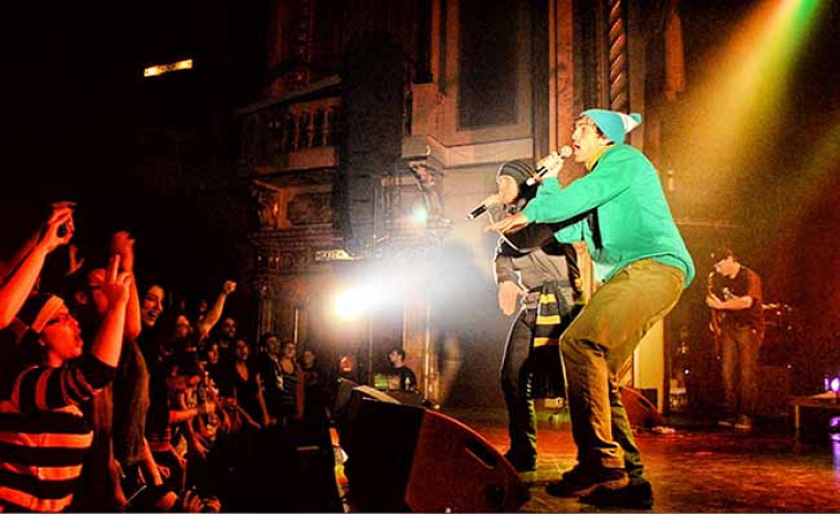 Merlin Wagner sur la scène du Théâtre Granada le 17 novembre 2012.