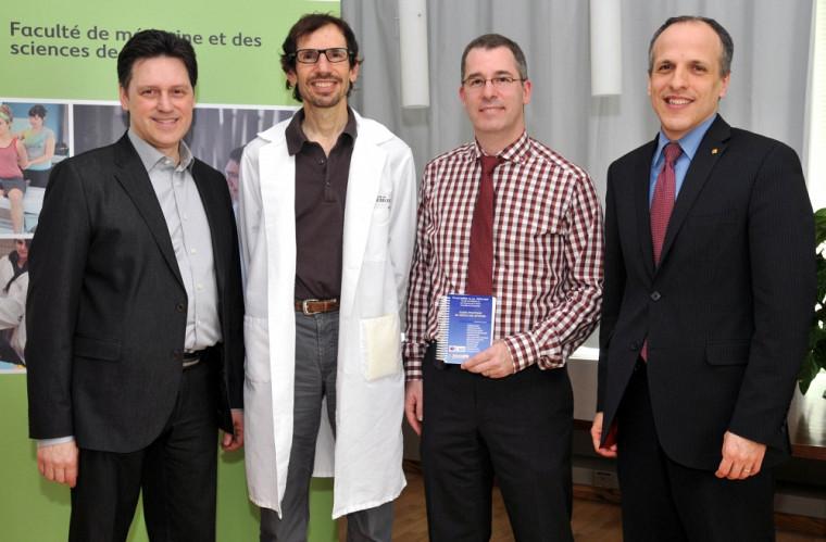 Dr Jean Desaulniers des éditions Formed, Dr Donald Echenberg, co-auteur, Dr Luc Lanthier, auteur et Dr Pierre Cossette, doyen de la FMSS lors du lancement de la 6e édition le 17 avril 2013.