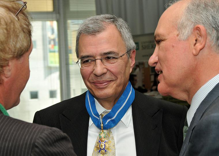Au centre, Javier Teijeira.