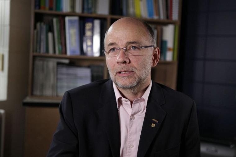 Dr Martin Fortin