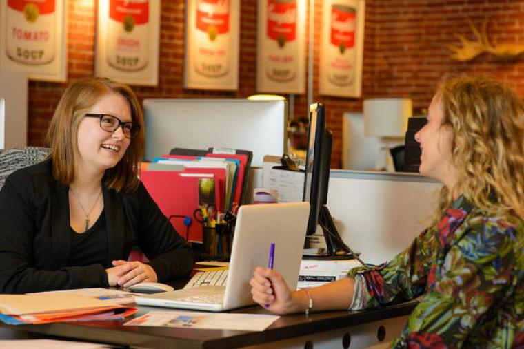 Stéphanie Beaudoin, étudiante en communication, s'est rapidement intégrée dans son milieu de stage.