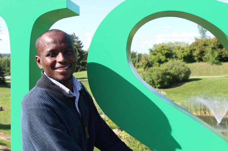 Ousmane Ahmat Hisseine, récipiendaire d'une bourse de recherche postdoctorale du FRQNT.
