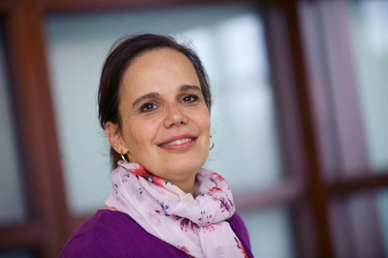 La biologiste et virologiste Nancy Dumais présente une conférence sur les maladies virales émergentes ce dimanche 27avril, à la bibliothèque Éva-Senécal.
