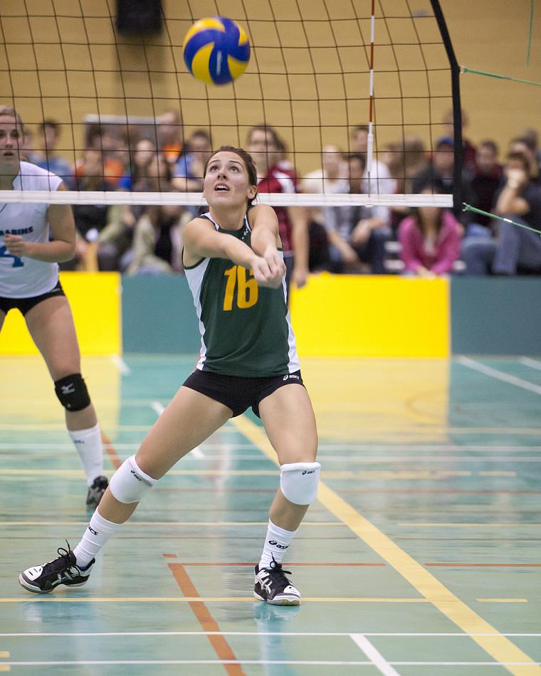 Catherine Martin et les volleyeuses sherbrookoises n'ont jamais cessé de se battre, mais elles ne sont pas parvenues à avoir le dessus sur le Rouge et Or de l'Université Laval.