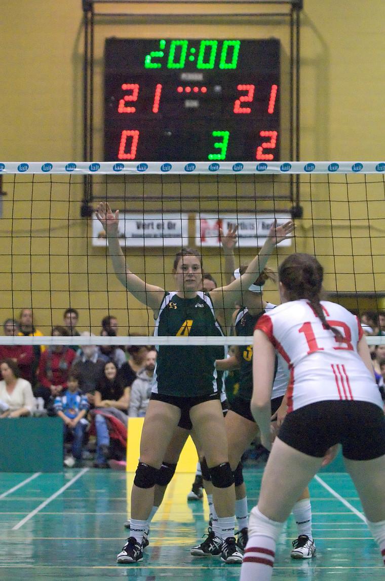 La centre Sarah Schaerli a connu un match du tonnerre, vendredi soir, face au Rouge et Or de l'Université Laval.