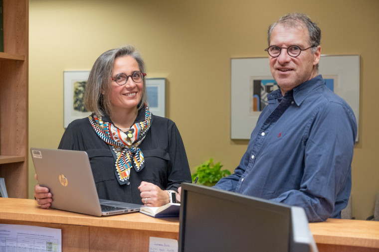 Dorothée Boccanfuso et Luc Savard, professeurs d'économique à l'École de gestion