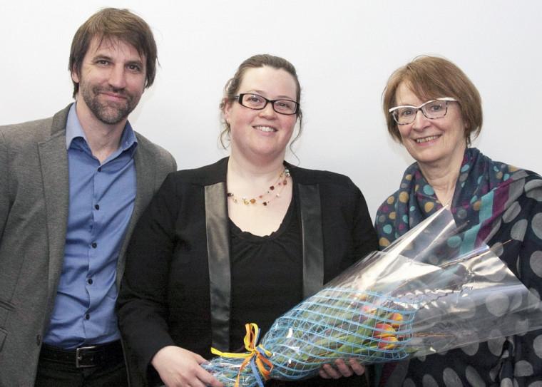 Steven Guilbeault, directeur principald'Équiterre,Chantal Lacasse,lauréate 2015 de la bourseLaure Waridel et Colette Harvey, conseillère principale en financesocialement responsable à la Caisse d'économie solidaire.