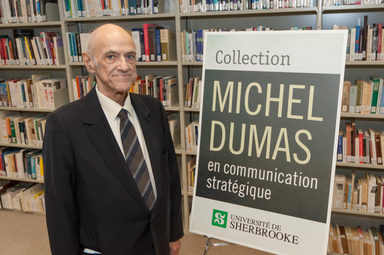 Michel Dumas, lors d'une cérémonie soulignant son don à la fin de l'année 2016.