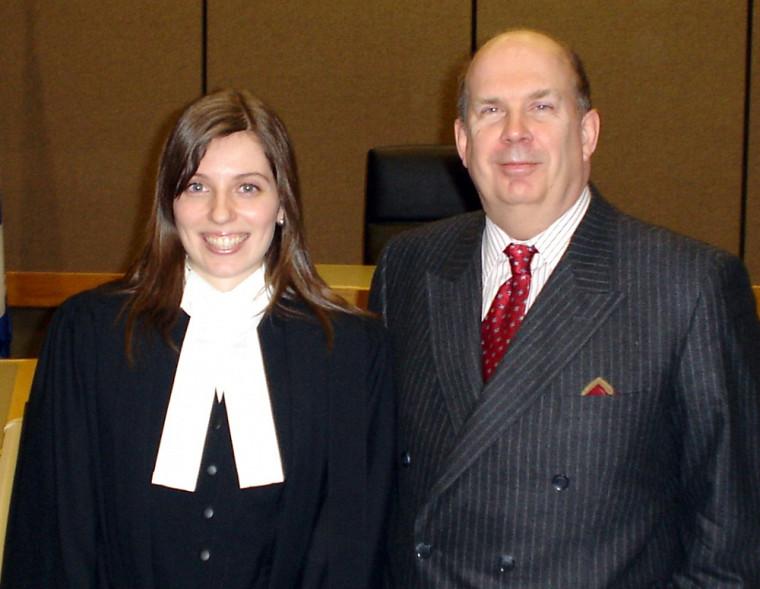 Le juge Nadon en compagnie d'Hélène Mayrand, lors de l'assermentation au Barreau de cette dernière.