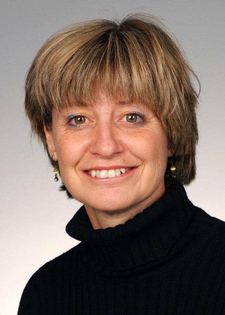Professeure Hélène Corriveau